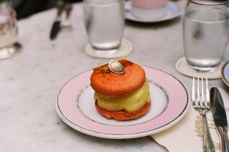 laduree macaron parfait color