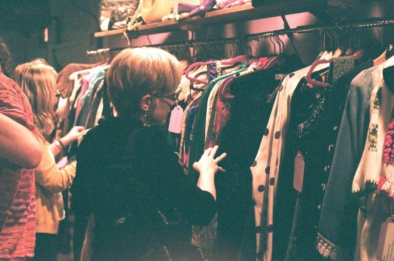 shopping violet